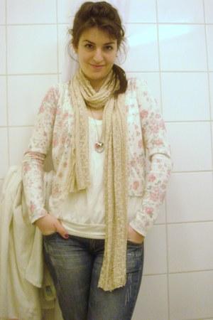 Mango jeans - Promod jacket - Bershka shirt - Stradivarius scarf - Oysho necklac