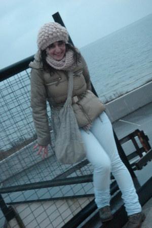 Zara boots - Zara jeans - Oysho hat - Sfera jacket - Zara scarf - vintage bag