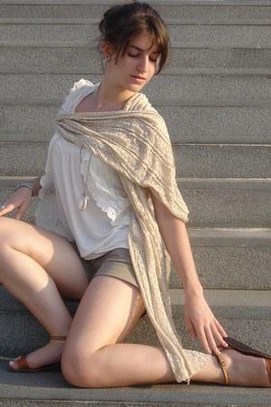 Bershka shirt - Stradivarius scarf - Bershka vest - H&M necklace - vintage pants