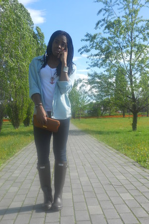 H&M shirt - Hunter boots - Primark bag - H&M pants - H&M t-shirt