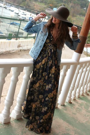 Mango dress - H&M hat - Lee jacket