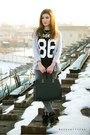 Black-no86-zara-t-shirt-charcoal-gray-pull-bear-jeans