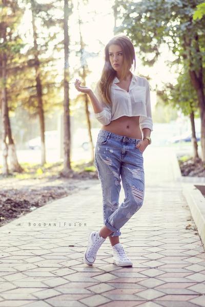sky blue boyfriend Zara jeans - white Zara shirt - white Converse sneakers