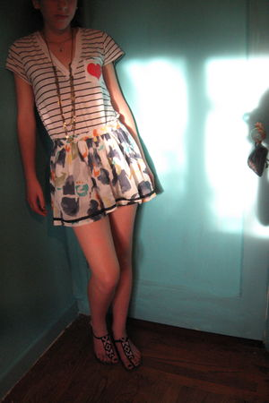 white Forever 21 shirt - white abercrombie and fitch skirt - purple Sway shoes -