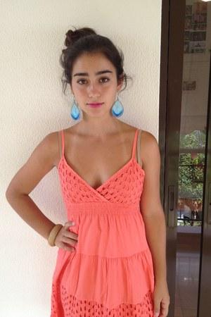 carrot orange Local shop dress - aquamarine Tally Weigl earrings