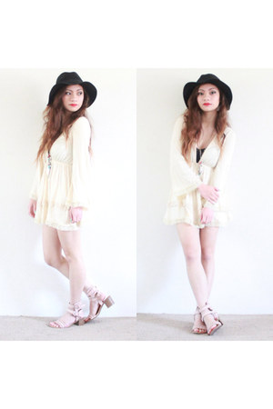 ivory Tobi dress - black floppy Wet Seal hat