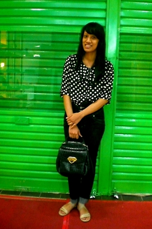 black polkadot thrifted top - beige sandals Bata shoes - black PH jeans