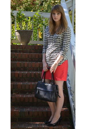 black houndstooth Verve Ami top - red Mossimo skirt - black Steve Madden heels