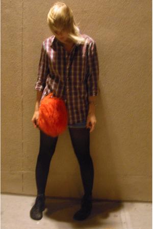 Uniqlo shirt - f21 shorts - don the verb shoes - vintage purse