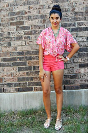 salmon Forever 21 shorts - light blue Forever 21 necklace