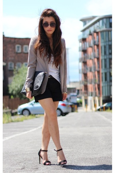Primark blazer - Urban Outfitters bag - H&amp;M shorts - Primark sunglasses