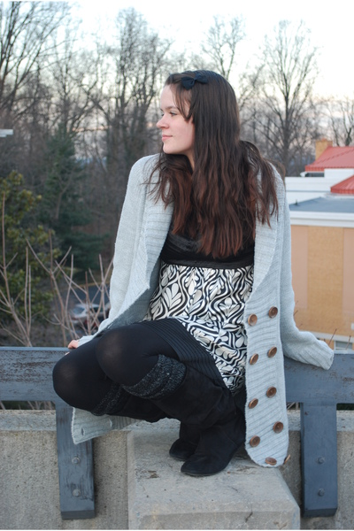 gray Ross sweater - black pirate ninja boots boots - black unknown dress