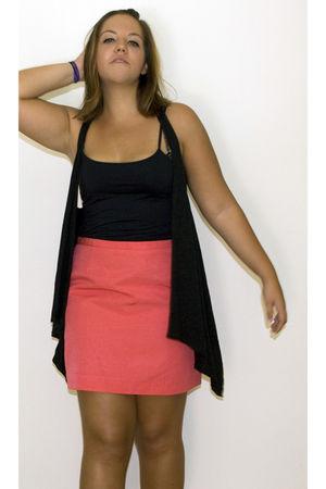 pink H&M skirt - black H&M vest - black Zara top - gold Primark accessories - un