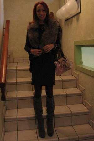 silver ferragamo boots - magenta Alexander McQueen dress - silver fur scarf - li