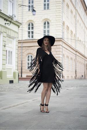 black fringe Tobi dress - black H&M hat - black Zara sandals