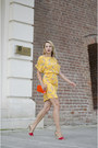 Yellow-zara-dress-orange-tiramisu-alle-fragole-bag-red-mango-sandals