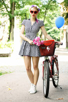 black checkered H&M dress - white Converse shoes - red Zara bag