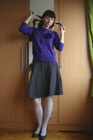 purple blouse - black H&M skirt - white Calzedonia tights - black DGM shoes - sc