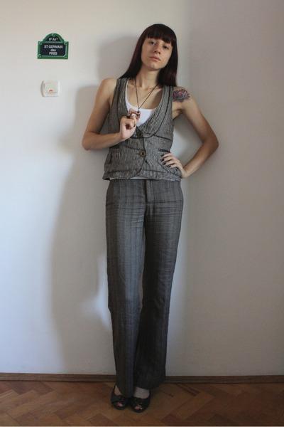 gray Promod vest - white random top - gray Zara pants