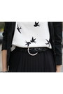 Black-pimkie-blazer-white-bird-print-h-m-shirt