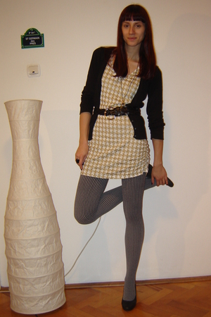 black H&M blazer - gold dress - black meli melo tights - black DGM shoes - beige