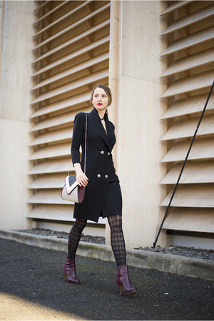 black blazer Magazin Up dress - magenta H&M boots - heather gray new look bag