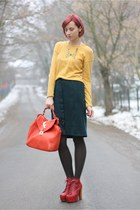 dark green thrifted skirt - Jeffrey Campbell boots - light yellow H&M sweater