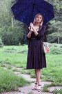 Black-floral-vintage-dress-dark-green-floral-thrifted-bag
