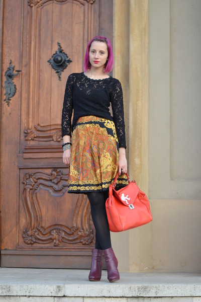 yellow vintage skirt - magenta H&M boots - black lace thrifted shirt