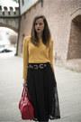 Black-lace-woman-fashion-skirt