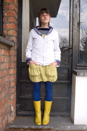 white my fathers jacket - yellow Sacha boots - yellow camden town dress - blue S