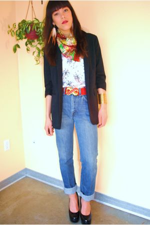 vintage levis jeans - Forever 21 shoes - thrifted belt - thrifted blouse - thrif