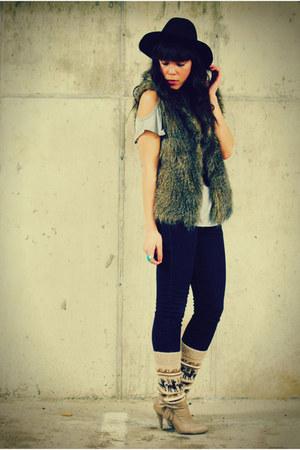 thrifted vest - Forever 21 hat - Forever 21 blouse