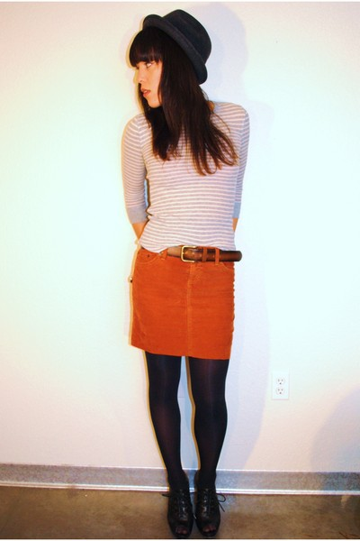Gap skirt - thrifted shirt - UO shoes