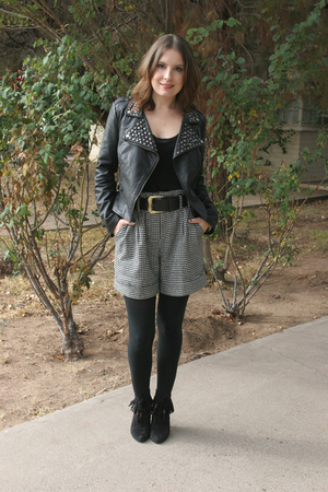black Forever 21 jacket - black Forever 21 shorts - black go jane boots