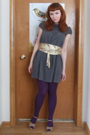 gray dress - gold belt - purple tights - beige shoes
