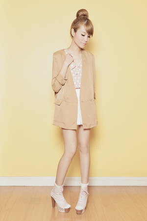 tan H&amp;M blazer - light pink finch shoes - light pink polka dot top - white skirt