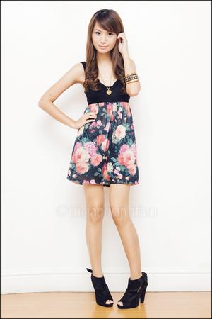 gold Girlshoppe accessories - black maldita shoes - Topshop dress