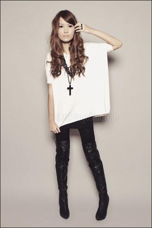 black Forever 21 boots - black Forever 21 leggings - ivory Forever 21 sweater -