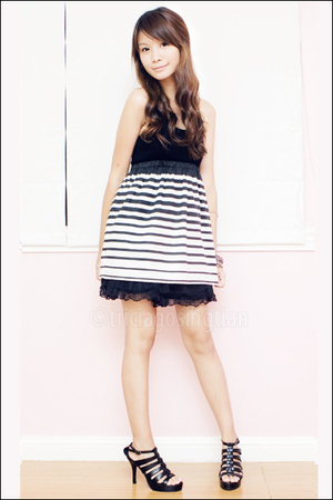 black Mphosis shoes - black lace from malaysia skirt - black Mphosis top