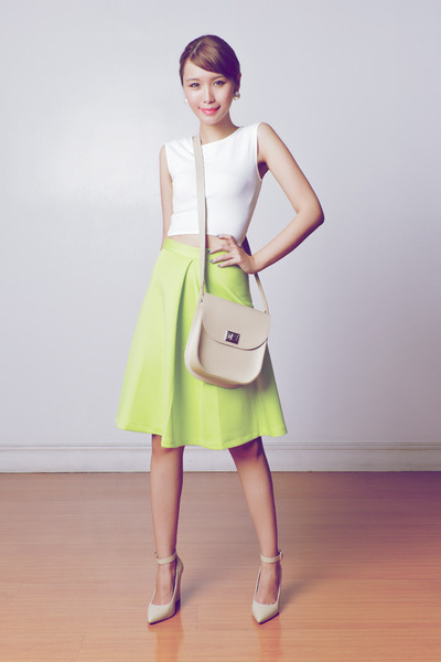 chartreuse midi apartment 8 skirt - beige Brit-Stitch bag - beige Mango heels