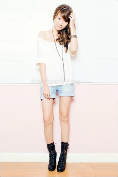 white loose Mango top - black Forever 21 boots - blue denim Mango shorts