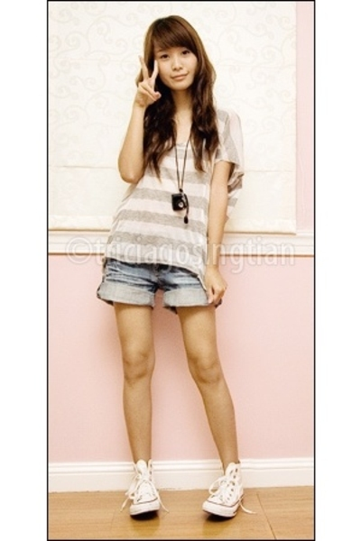 blue denim ROMP shorts - white chuck taylor Converse shoes