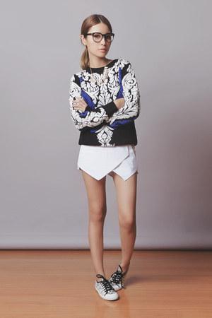 white Sheinside shorts - black Sheinside sweater - white Tretorn sneakers