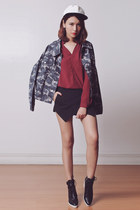 black Choies boots - heather gray camo Katy-Katy jacket - black WOAKAO shorts