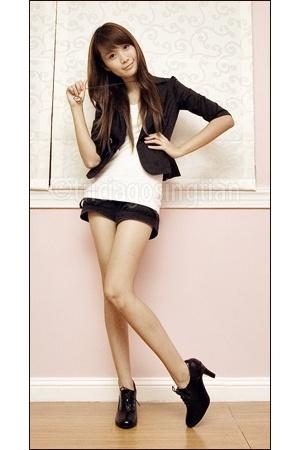 gold necklace - black Urge boots - black Levis blazer - black Greenhills shorts