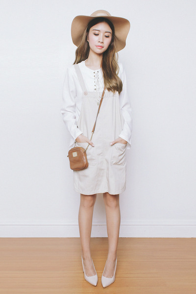 white AMS Clothing top - light brown Michael Kors bag - beige Yesstyle jumper