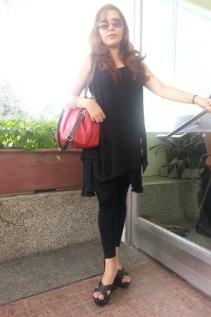 dress - black footless Yvonnes tights - jovanni bag