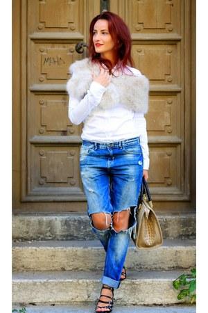 blue Zara jeans - white Hugo Boss shirt