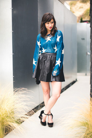 blue wildfox couture sweater